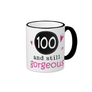 100 e ainda ideia lindo do presente de aniversário caneca com contorno