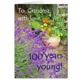 100th Cartão de aniversário para a avó - flores