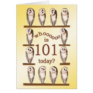 101st aniversário, cartão curioso das corujas