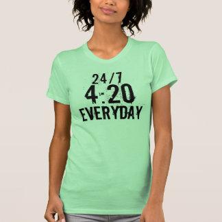 24/7 de 4:20 diário - menina t-shirts