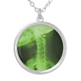 2 radiografados - Verde radioativo Colar Com Pendente Redondo