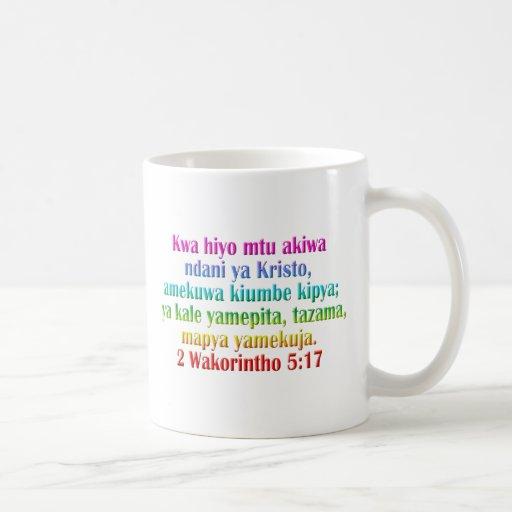 2 suaílis do 5:17 dos Corinthians Canecas