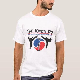 324 Tae Kwon fazem a camisa