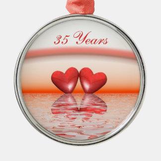 35o Corações do coral do aniversário Ornamento Redondo Cor Prata