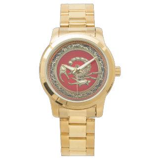 [400] Escorpião dourado sagrado no vermelho Relógio