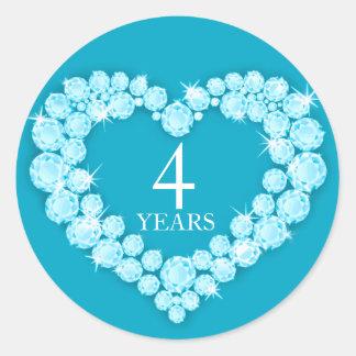 4 anos de etiqueta azul do coração do aniversário