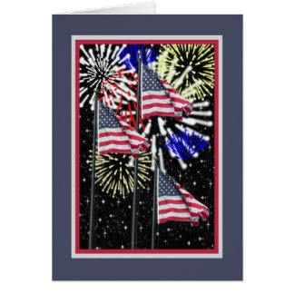 4 de julho cartão com bandeiras e