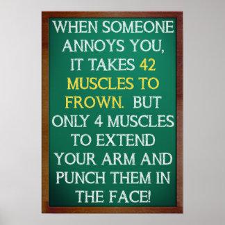 4 músculos para perfurar o poster engraçado