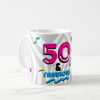 50 e caneca fabulosa do aniversário do estilo do