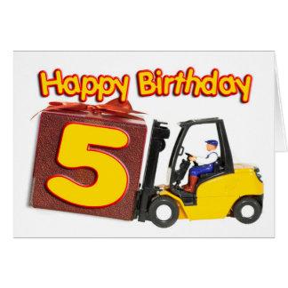5o cartão de aniversário com um caminhão de empilh