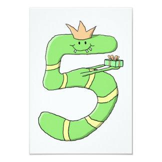 5o Desenhos animados do aniversário, verdes Convite 8.89 X 12.7cm
