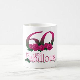 60 e caneca cor-de-rosa dos rosas do 60th