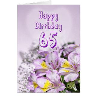 65th Cartão de aniversário com as flores do lírio