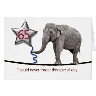65th Cartão de aniversário com o elefante de