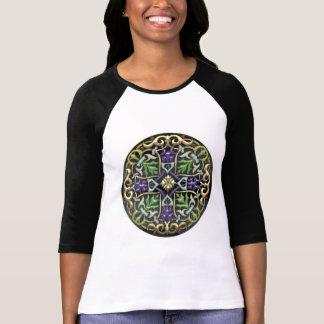 [700] Cruz celta [ouro com esmalte preto] Camisetas
