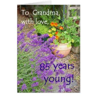 85th Cartão de aniversário para a avó - jardim