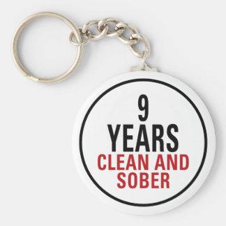 9 anos limpam e moderam chaveiro