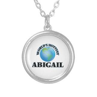 A Abigail a mais quente do mundo Bijuteria