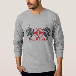 A academia de Kyoku das artes marciais coube a Camiseta