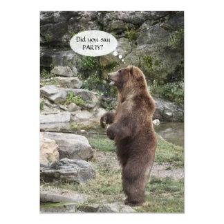 A aclamação de pé do urso de urso convida convite 12.7 x 17.78cm