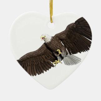 A águia americana com as asas em para baixo afaga ornamento de cerâmica