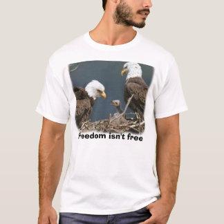 a águia, liberdade não está livre camiseta