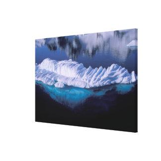 A Antártica, baía do paraíso. Iceberg no cristal Impressão Em Tela