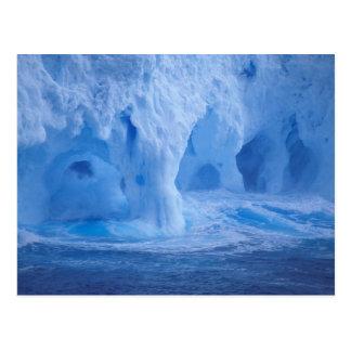 A Antártica. Iceberg com ondas de quebra Cartão Postal