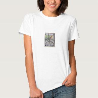 A arte inspirou o t-shirt para mulheres ou