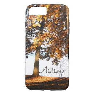 A árvore de bordo da queda sae do monograma do capa iPhone 7 plus