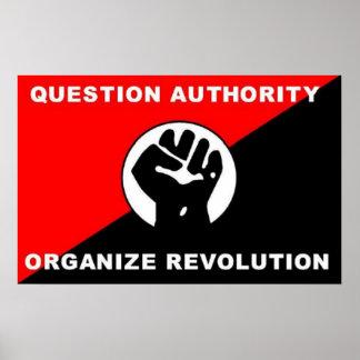 A autoridade da pergunta organiza o poster da revo