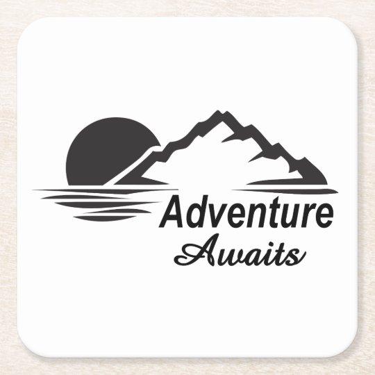 A aventura espera o excelente da natureza fora porta-copo de papel quadrado