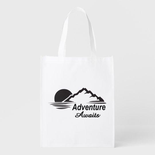 A aventura espera o excelente da natureza fora sacolas reusáveis