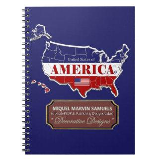 A bandeira do esboço de América colore o caderno