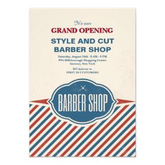 A barbearia listra o anúncio da grande inauguração