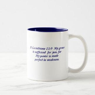 A benevolência do deus caneca de café em dois tons