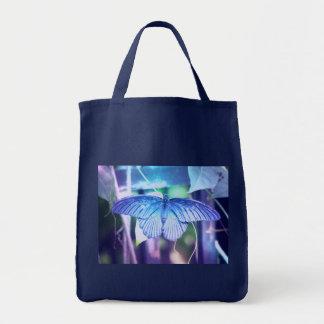 A bolsa de compra azul da borboleta