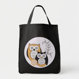 A bolsa de compra moderna das corujas