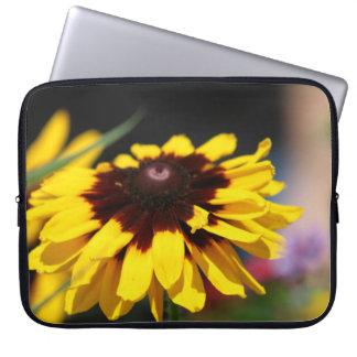 A bolsa de laptop amarela da flor bolsa e capa de notebook