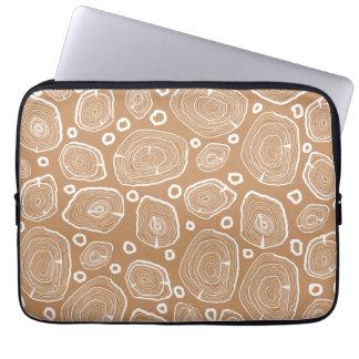 A bolsa de laptop de madeira da textura do latido capa para computador