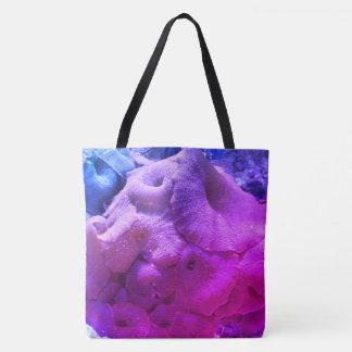 A bolsa de praia coral do impressão