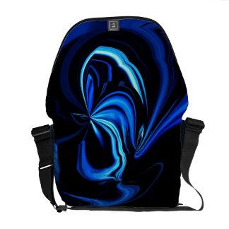 A bolsa mensageiro azul do abstrato da borboleta