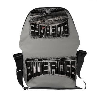 A bolsa mensageiro azul do rickshaw de Ridge do