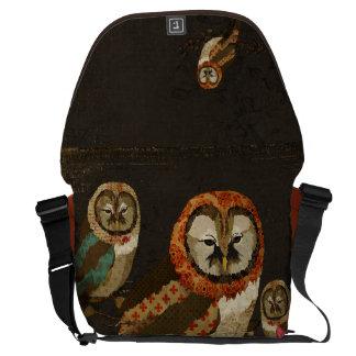 A bolsa mensageiro da meia-noite das corujas