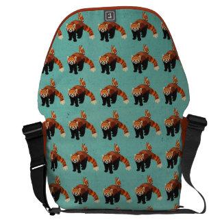 A bolsa mensageiro da panda vermelha & da coruja