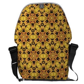 A bolsa mensageiro do ouro amarelo do