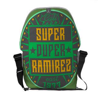 A bolsa mensageiro Duper super Ramírez