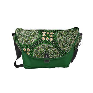 A bolsa mensageiro verde do design de Boho do