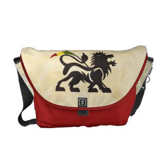 A bolsa mensageiro vermelha do leão