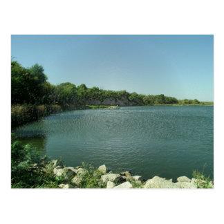 A borda do lago cartoes postais